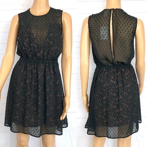 H&M Dresses & Skirts - H&M Sleeveless Open Back Dress